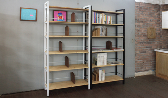 Blacknwhite steel bookchest